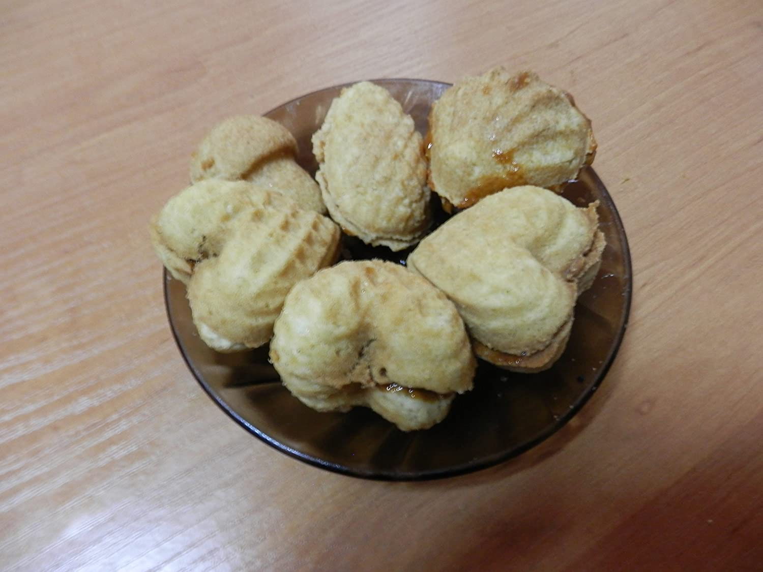 Delicious and sweet Oreshek cookies: recipe