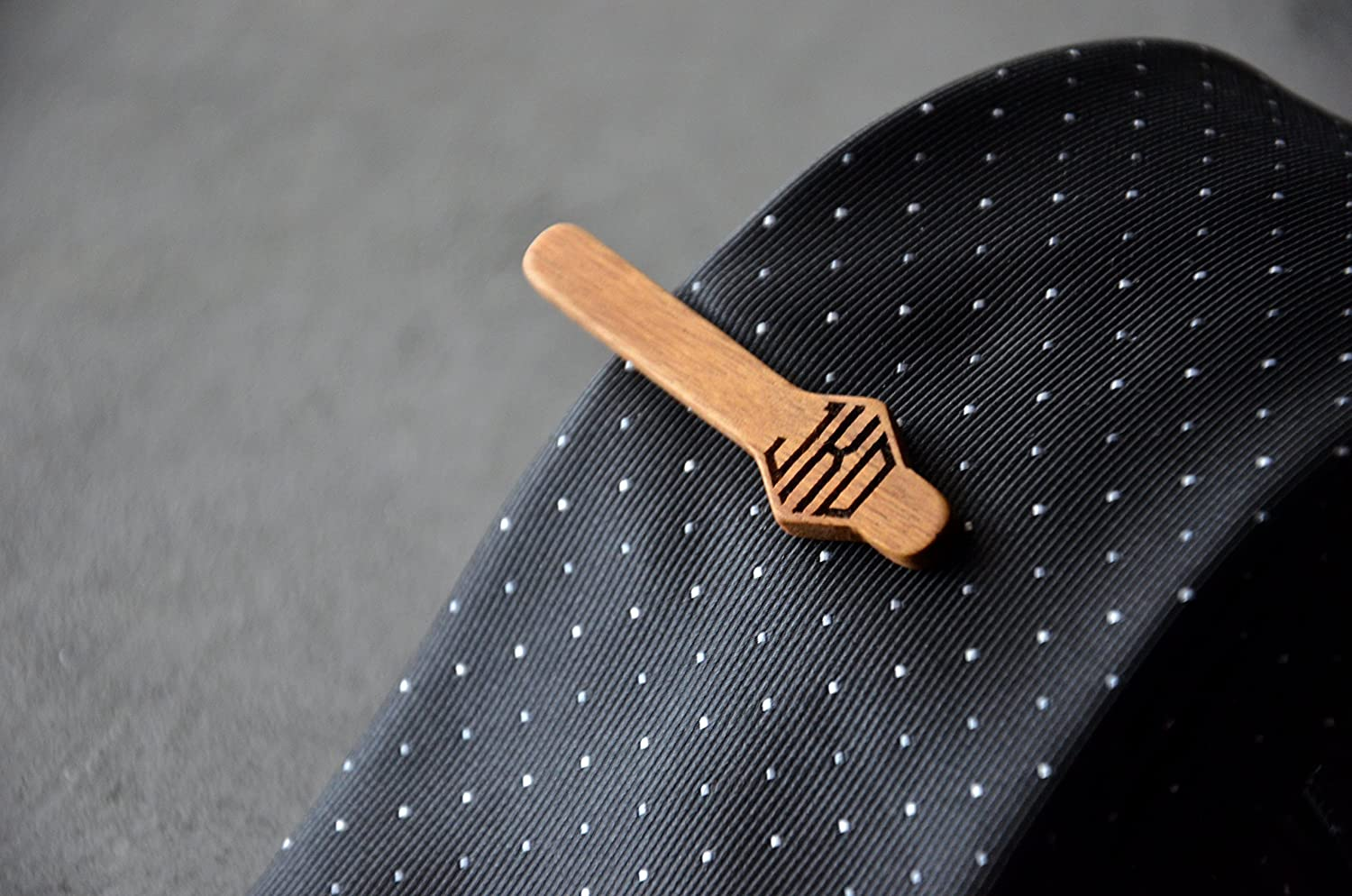 Wooden Tie Clip for men Tie Tack Bar Monogram Engraving Initials Custom Wooden Unique Groomsmen Gift for Guy best friend Fathers Day Gift Idea for Husband y Enjoy the Wood