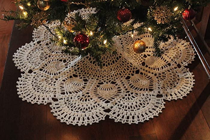 Christmas Tree Skirt Patterns.Crochet Pineapple Christmas Tree Skirt