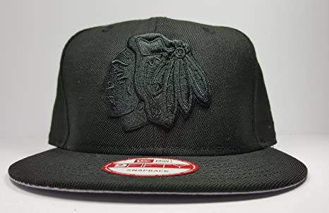Amazon.com   New Era Chicago Blackhawks 9Fifty Black   Black Logo ... 47063294990