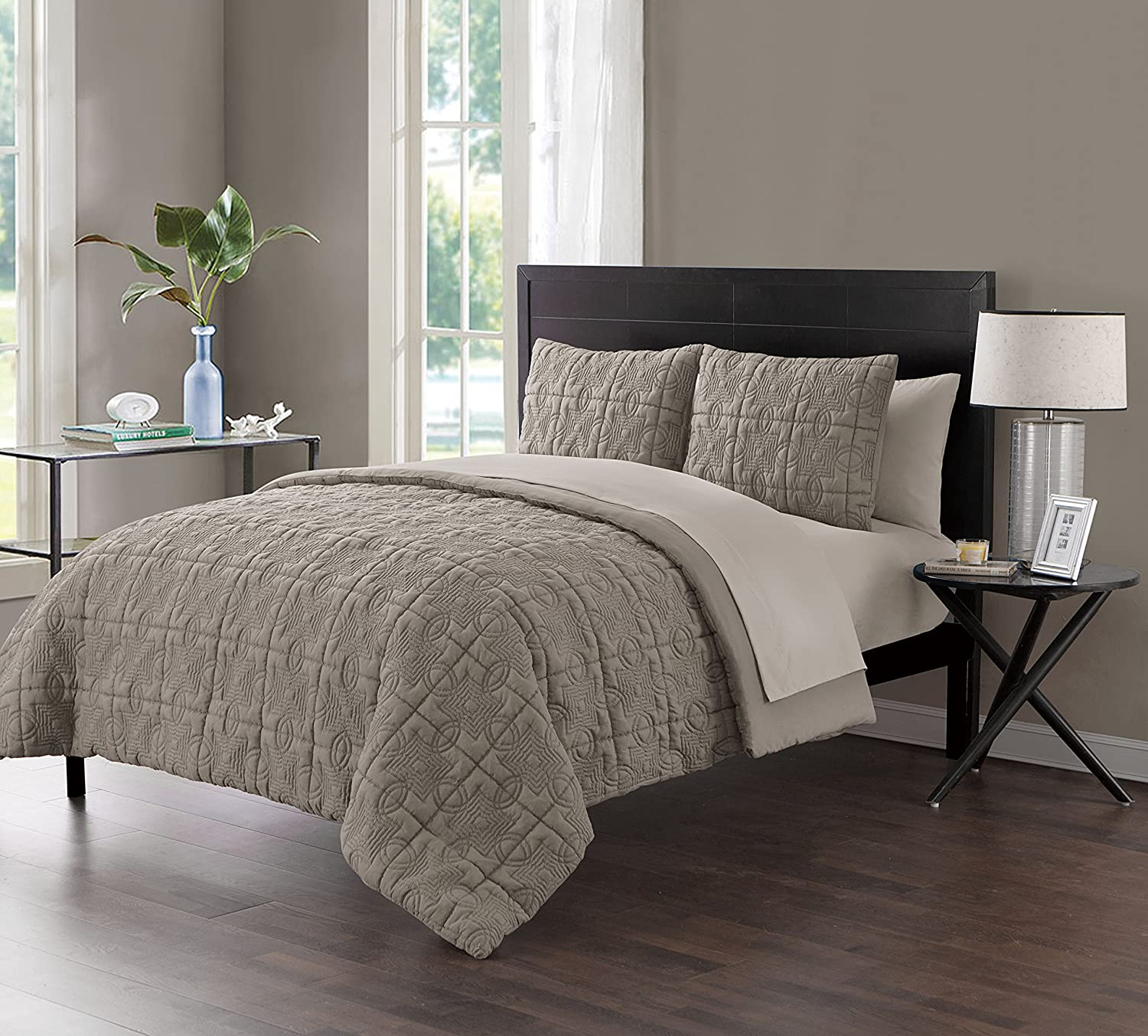 Queen Size Complete BED-IN-A-BAG in Taupe Embossed Texture Color Blocking 7 Pc Set w/ Sheets