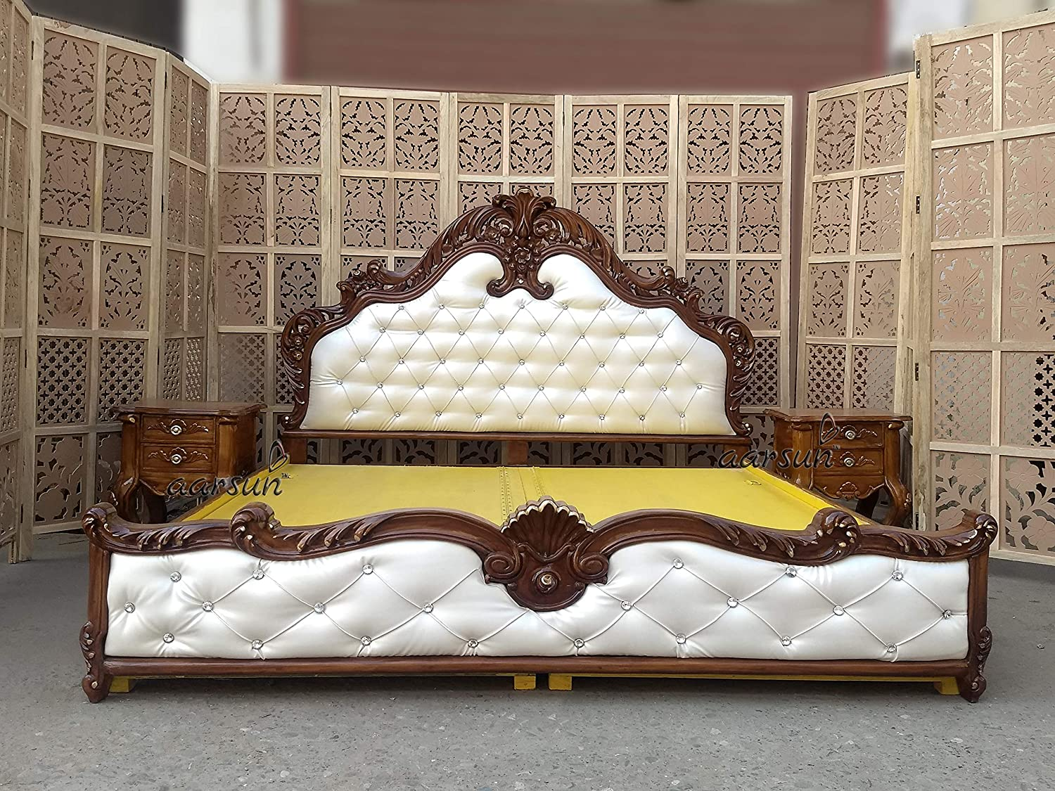 Aarsun Wooden Royal Bed with Side Tables Wooden Bedroom Furniture