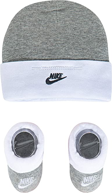 por inadvertencia asustado Extinto  Amazon.com: Nike - Juego de gorro y botines para bebé (2 unidades), 0 - 6  meses: Clothing
