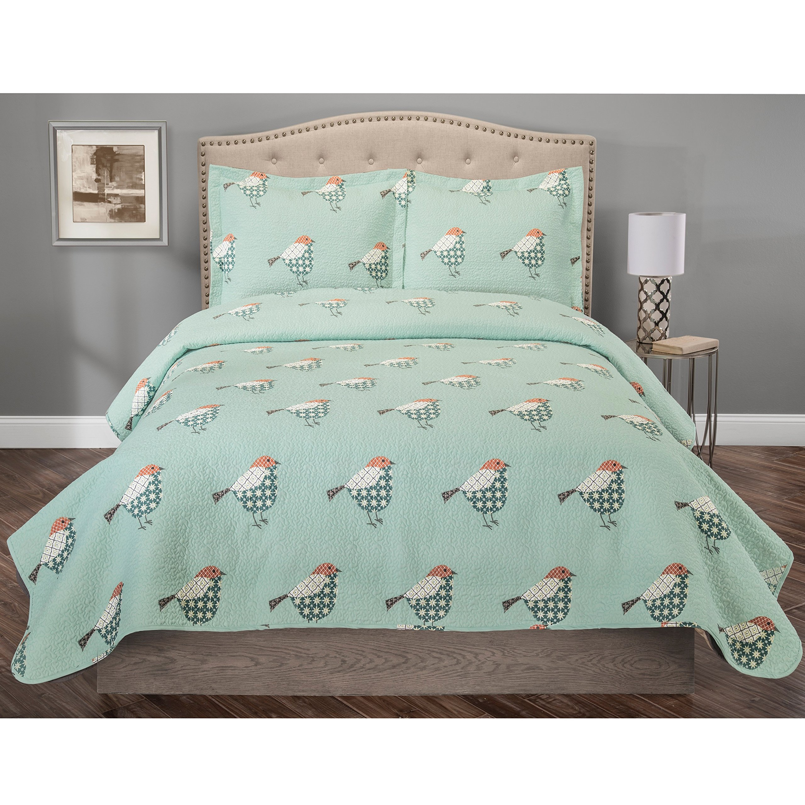 2 Piece Whimsical Sparrow Patterned Quilt Set Twin Size, All Over Printed Chic Vivid Birds Bedding, Refreshing Animal Lovers Design, Inspired American Flag Colors Sparrows Bedroom, Turquoise, Red