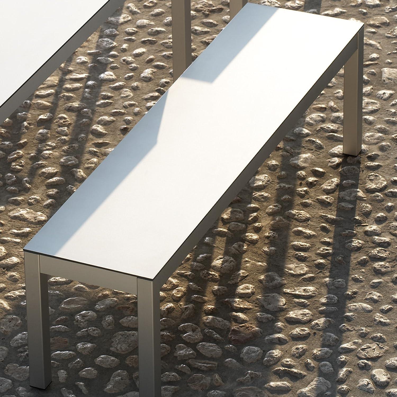 Quadrat Bank HPL weiß/anthrazit - Gestell Aluminium eloxiert / 145 x 40 cm, h 46 cm