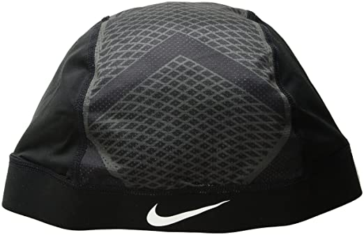 6533eca897f6e Amazon.com  The Nike Pro Hypercool Vapor 4.0 Skull Cap is made with sweat- wicking stretch fabric and mesh panels to help keep you dry and cool.   Clothing