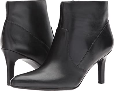 Naturalizer Women's Nadine Black Leather 7 ...