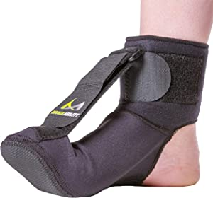 BraceAbility Plantar Fasciitis Night Sock | Soft Stretching Boot Splint for Sleeping, Achilles Tendonitis Foot Support Brace & Heel Pain Relief Compression Sleeve (Medium)