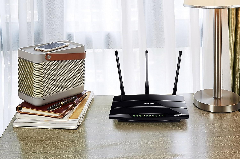 TL-WR841N TP-Link Routeur 300 Mbps Wi-FI N en 2.4 GHz - Blanc /& Basics C/âble r/éseau Ethernet RJ45 cat/égorie/6-0,9 m 5 Ports Ethernet