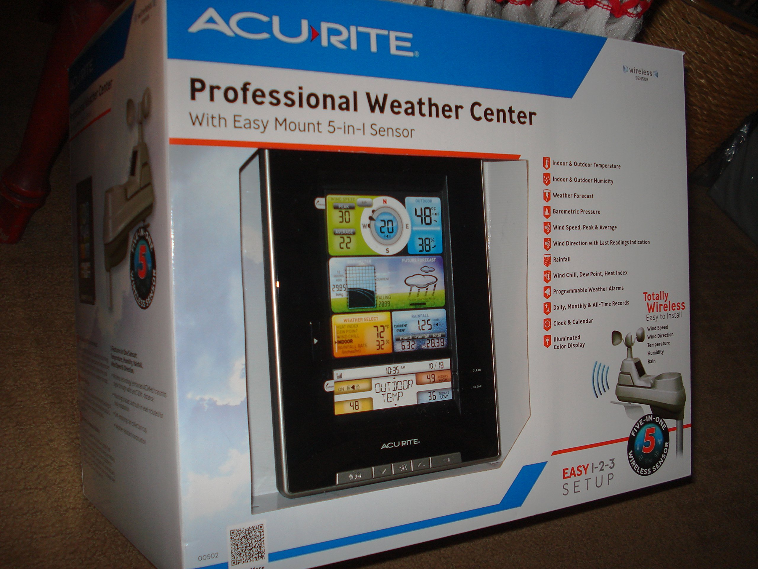 Professional Weather Center with Easy Mount 5-in-1 Sensor