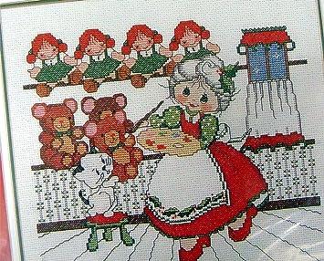 Amazon.com: Mrs. Santa Toy Factory Wee winsomes Navidad de ...