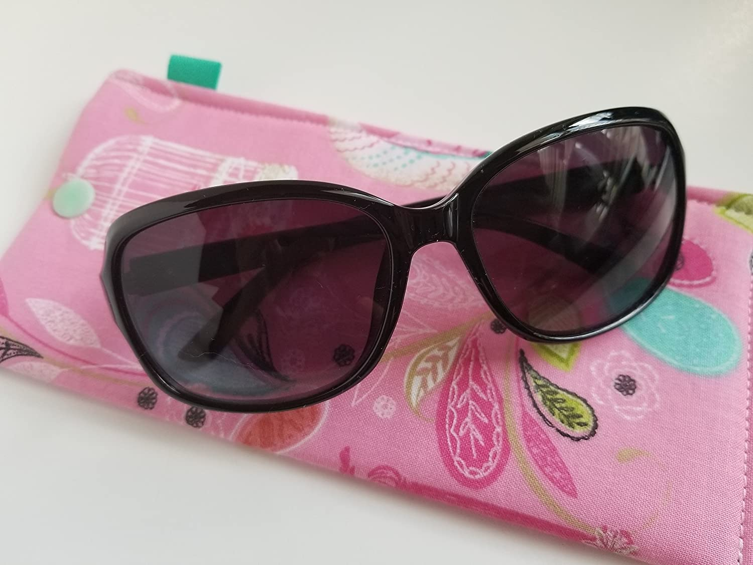 Amazon com: Padded Sunglass Case with Snap- Bird cages: Handmade