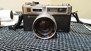Yashica Electro 35 Rangefinder Film Camera w/ Yashinon DX 1:1.7 f=45mm Lens
