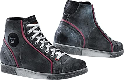 TCX street shoes moto