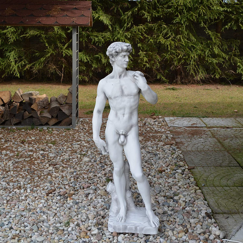 Wundersch/öne Statue Abbild David von Michelangelo aus Steinguss frostfest