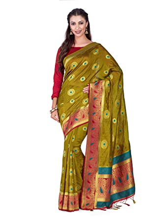 797297d6fa80c7 Amazon.com  Mimosa Art Kuppdam Wedding Silk Saree Kanjivarm Style with Contrast  Blouse Color  Green (4314-RPL-2-2D-CKU-STRW)  Clothing