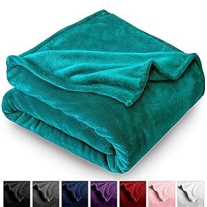 Bare Home Microplush Fleece Blanket - Twin/Twin Extra Long - Ultra-Soft Velvet - Luxurious Fuzzy Fleece Fur - Cozy Lightweight - Easy Care - All Season Premium Bed Blanket (Twin/Twin XL, Emerald)
