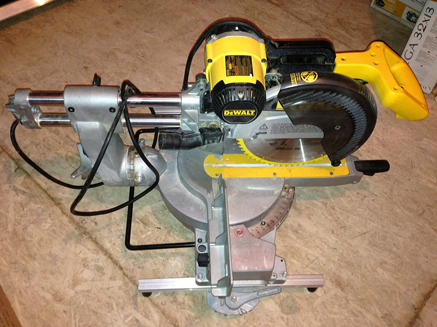 91Qvn4pRwXL._SL1500_ dewalt dw708 12 inch double bevel sliding compound miter saw Transformer Grounding Diagrams at bayanpartner.co