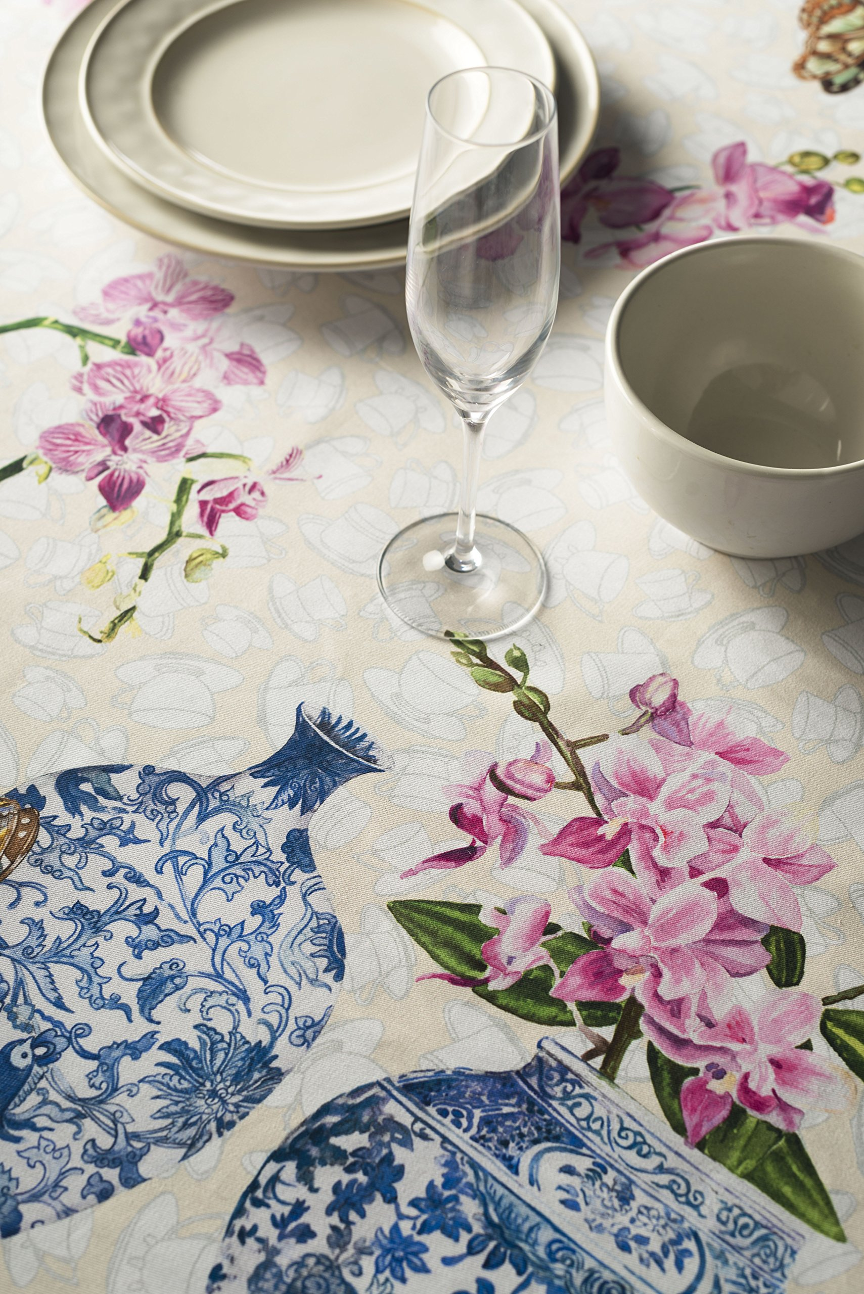 Maison d' Hermine Canton 100% Cotton Tablecloth for Kitchen Dining | Tabletop | Decoration | Parties | Weddings | Spring/Summer (Square, 54 Inch by 54 Inch). - Designed in France 100% Cotton and machine washable Package includes - 1 Tablecloth - tablecloths, kitchen-dining-room-table-linens, kitchen-dining-room - 91QztRVVtPL -