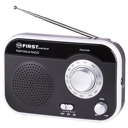 9 opinioni per Radio portatile FM/AM con connettore per auricolari e manico da trasporto |
