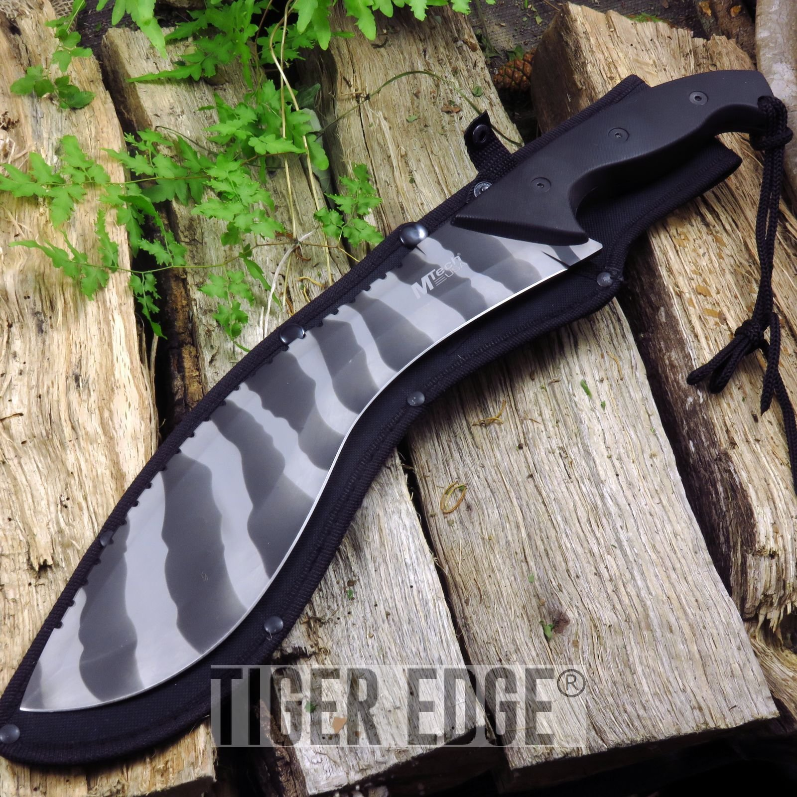 18.5'', 4.5mm Thick Urban Camo Heavy Kukri Machete with Carbon Sharp Blade Durable w/ Sheath