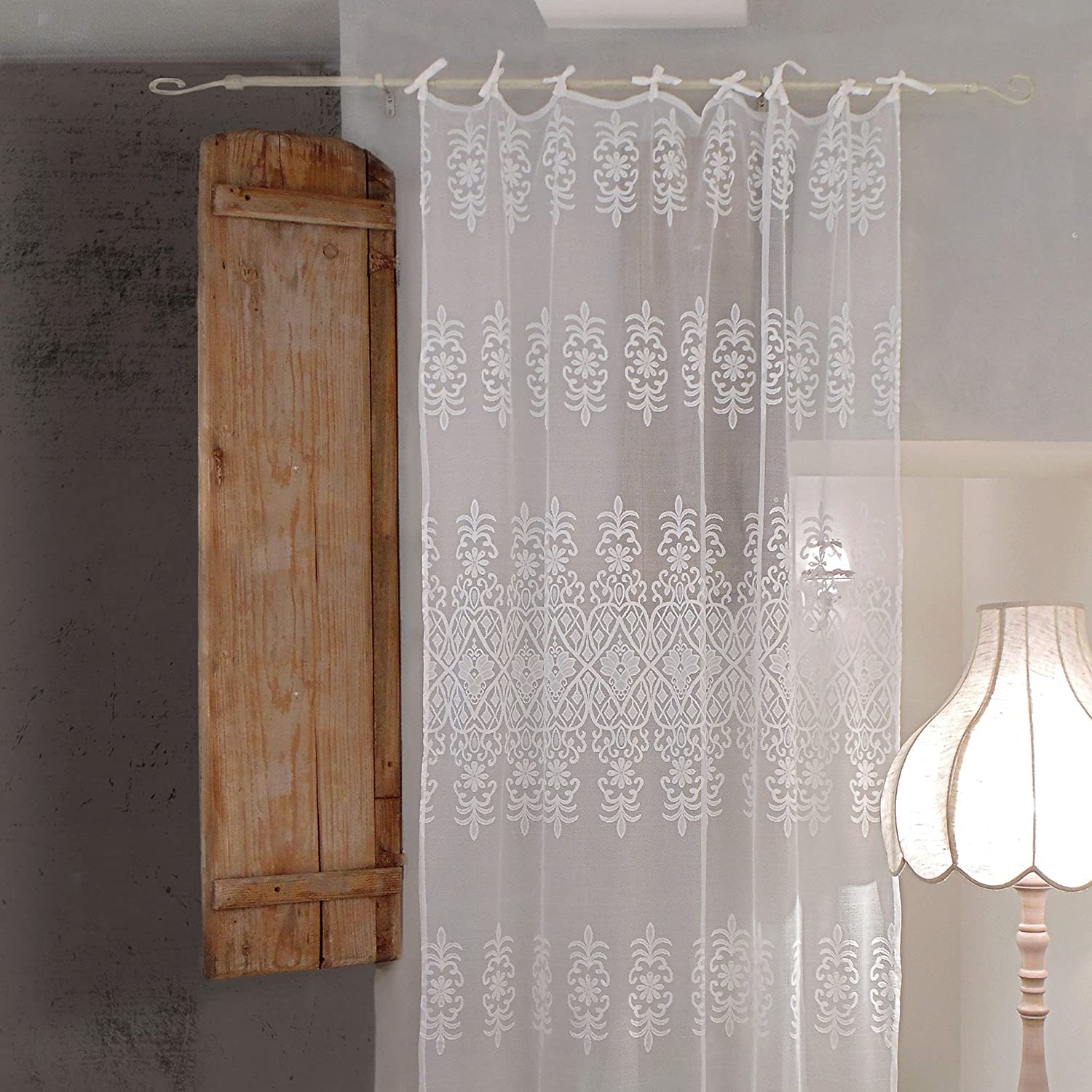 AT17 Tenda Pizzo di Poliestere Shabby Chic Poly-Vent Collection 140 x 270 Colore Bianco