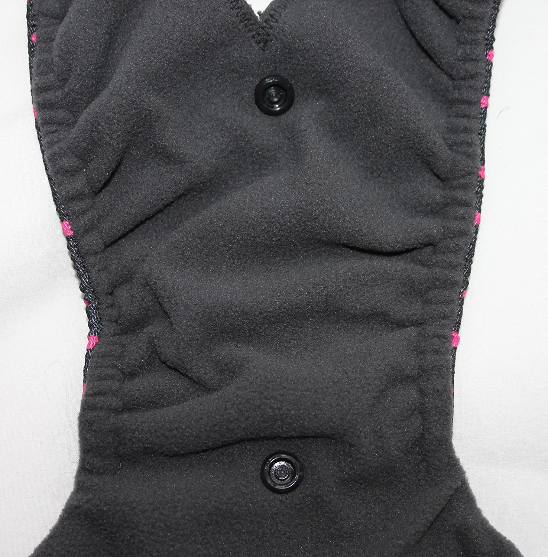 Pa/ñal abrigado para perra con compresas lavables opcionales color negro con lunares rosas todas las tallas