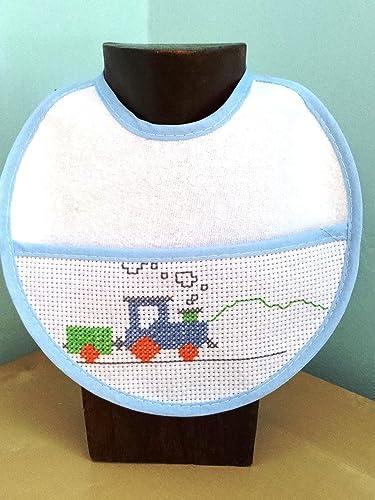 Babero bebé punto de cruz. Handmade. Artesanía