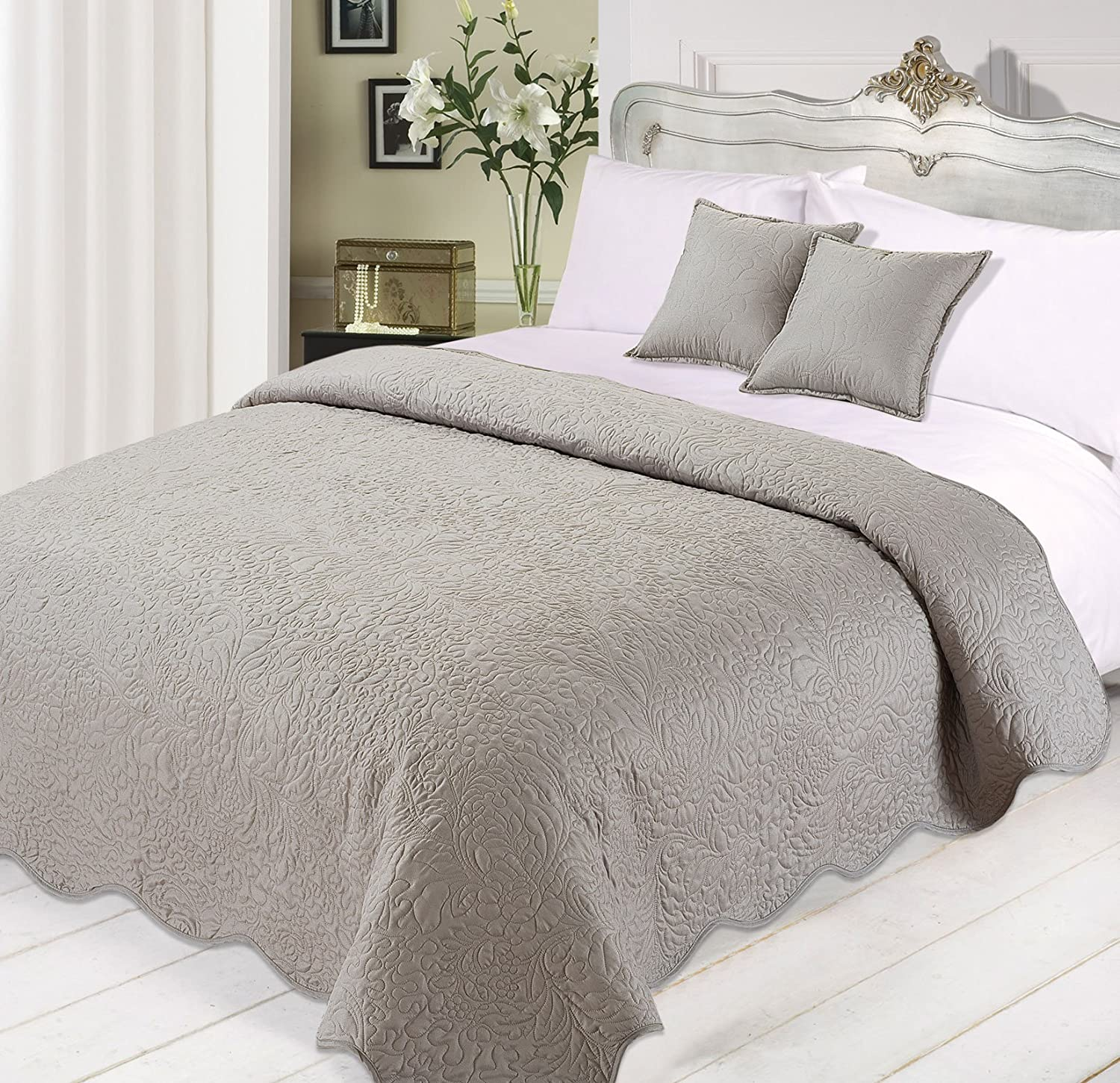 Polyester 3-Piece Silver Dreamscene Luxurious Quilted Bedspread Comforter Cushions Set