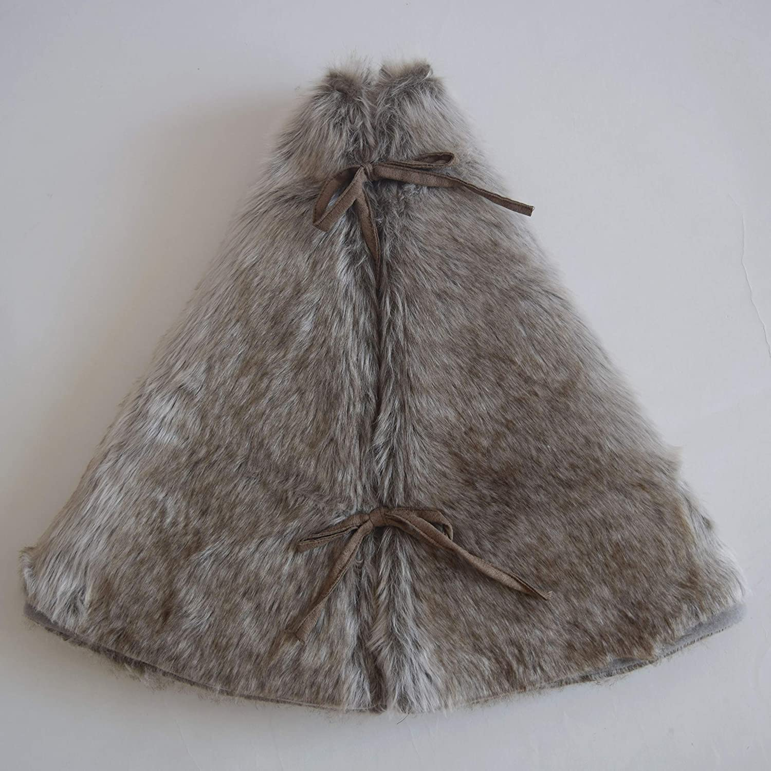 Gireshome Deluxe Grey Soft Plush Faux Fur Christmas Tree Skirt,for Table Top Trees 20inch