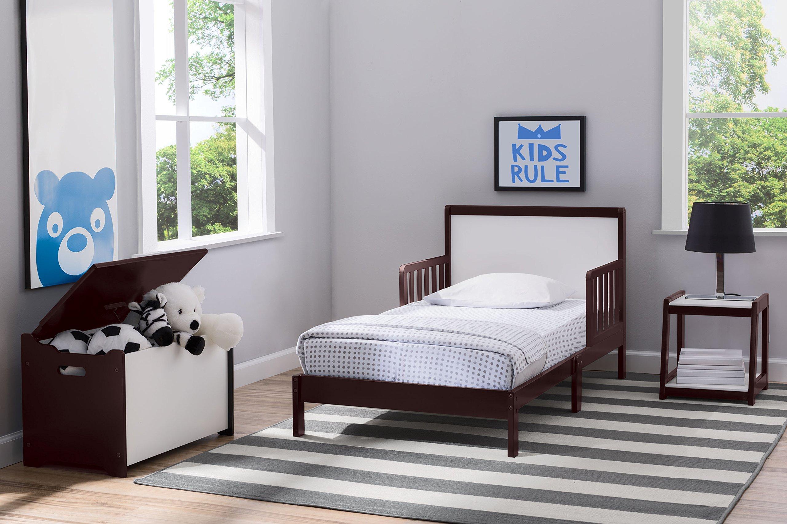 Delta Children Aster 3 Piece Toddler Room in-a-Box, White with Dark Chocolate