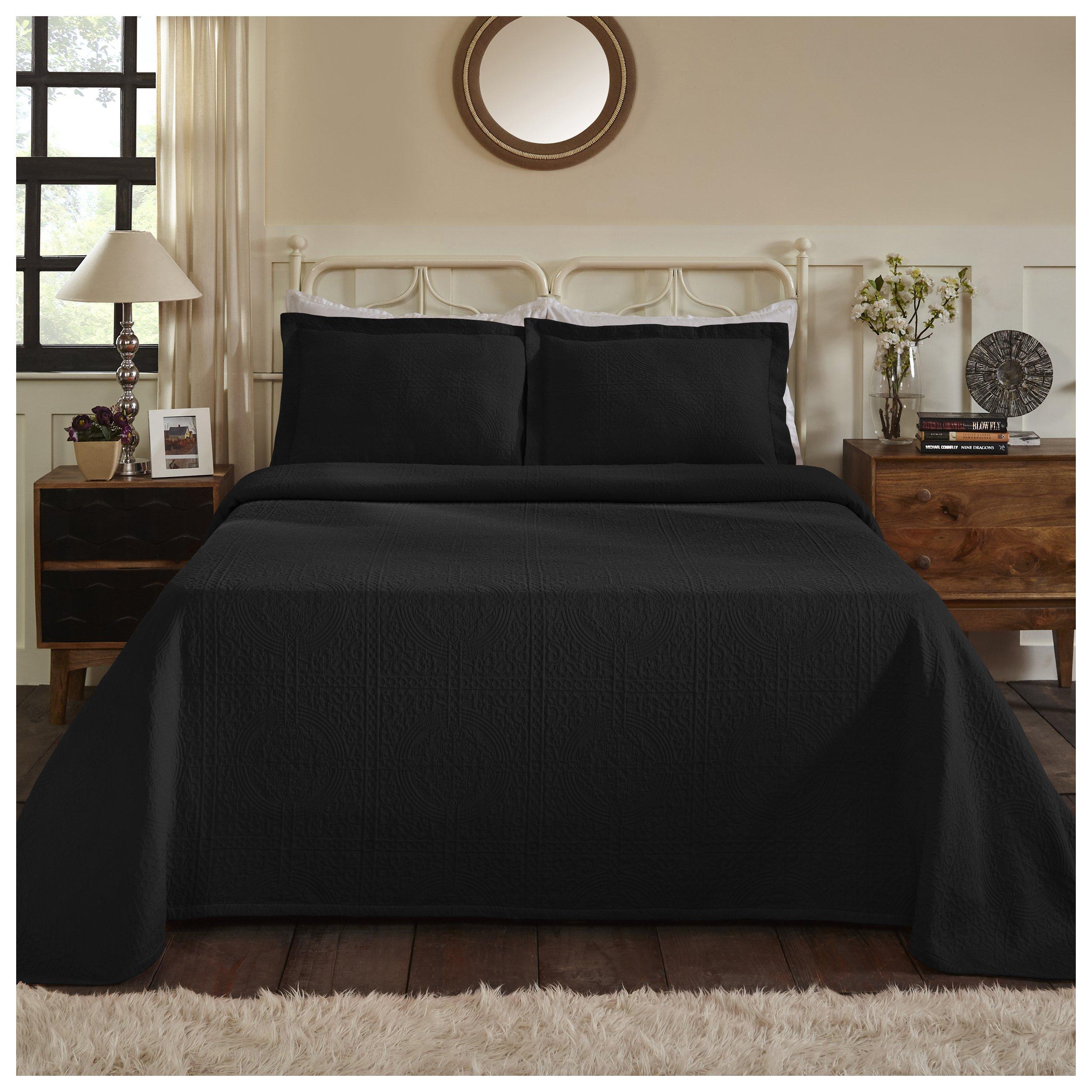 Superior 100% Cotton Medallion Bedspread with Shams, All-Season Premium Cotton Matelassé Jacquard Bedding, Quilted-look Floral Medallion Pattern - King, Black