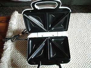 Toastmaster TM2SANW 2-Section Sandwich Maker, White