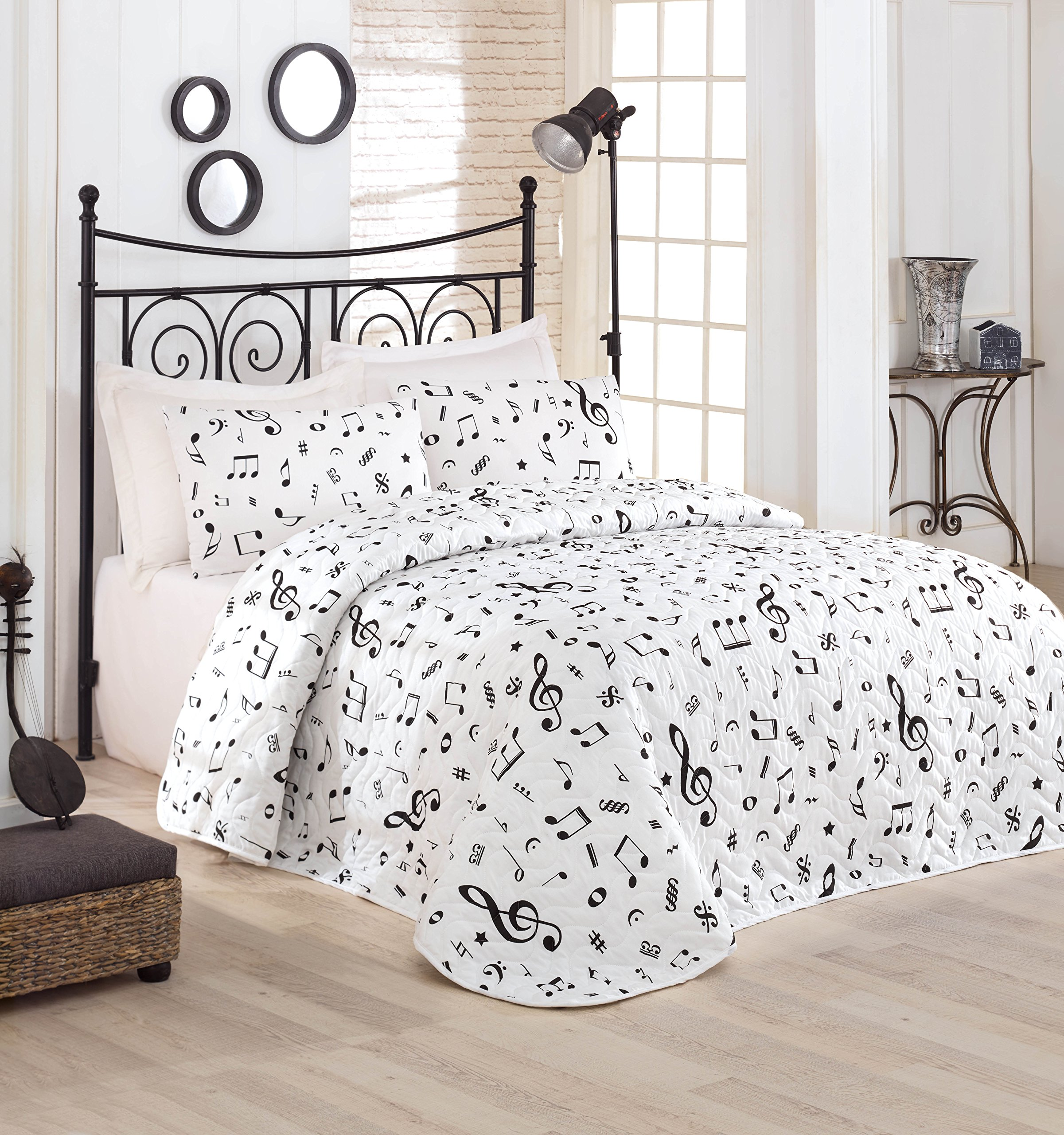 DecoMood Music Bedding, Full/Queen Size Bedspread/Coverlet Set, Melody Themed, Black and White Girls Boys Bedding, 3 PCS, by DecoMood