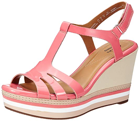 Clarks Women's Leather Fashion Sandals (Standard Fit) Fashion Sandals at amazon