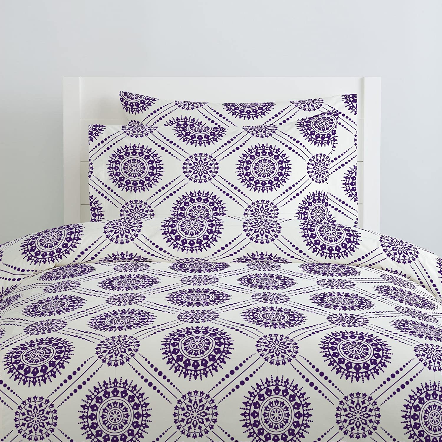 Made in The USA Carousel Designs Amethyst Modern Medallion Pillow Case Organic 100/% Cotton Pillow Case