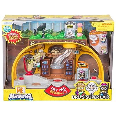 Despicable Me Dru's Super Lair Playset: Toys & Games