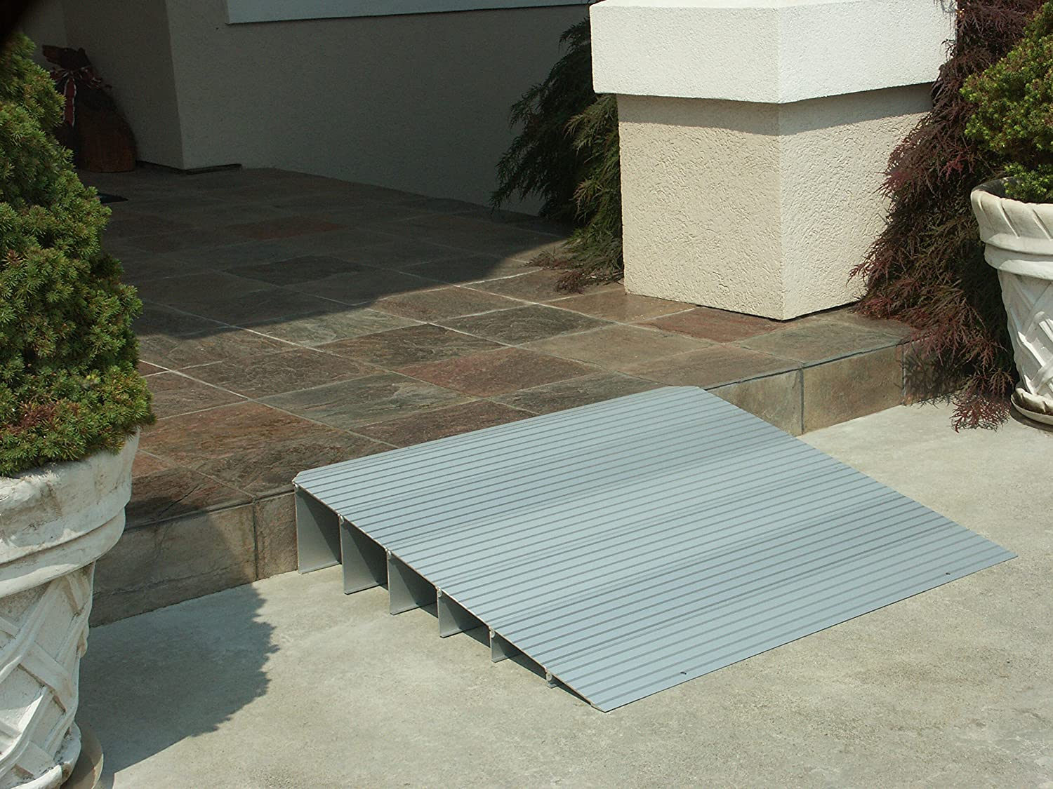EZ-ACCESS TRANSITIONS Modular Aluminum Entry Ramp 4 Rise