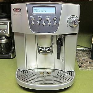 DeLonghi Magnifica ESAM4400 Super Automatic Coffee Center