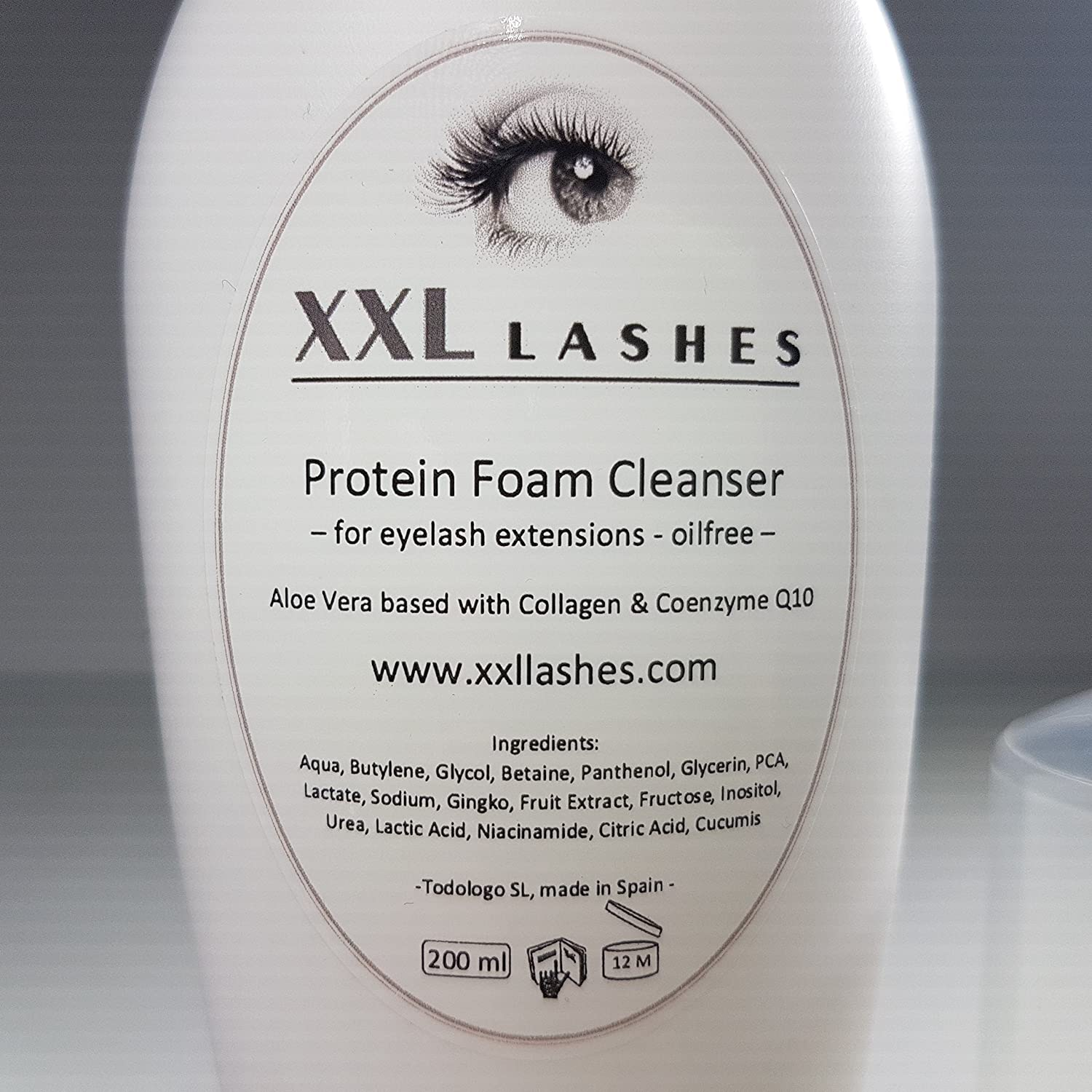 c28861a58ce XXL Lashes Foam Cleanser 200 ml for Eyelash Extensions free of oil and  alcohol, salon size: Amazon.co.uk: Beauty