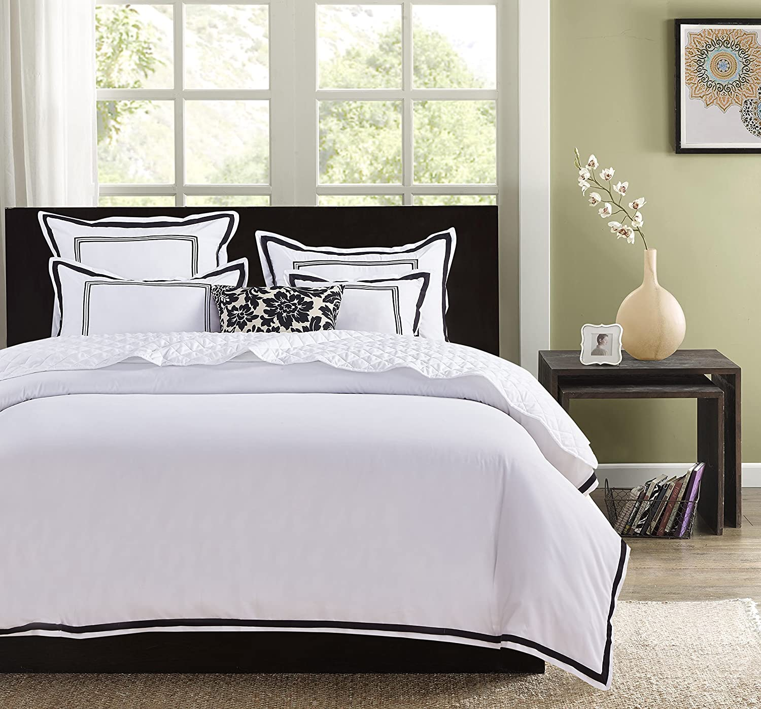Hotel Luxury 3pc Duvet Cover Set- Elegant White/Black Trim Hotel Quality Design-Silky Soft- Wrinkle & Fade Resistant Bedding