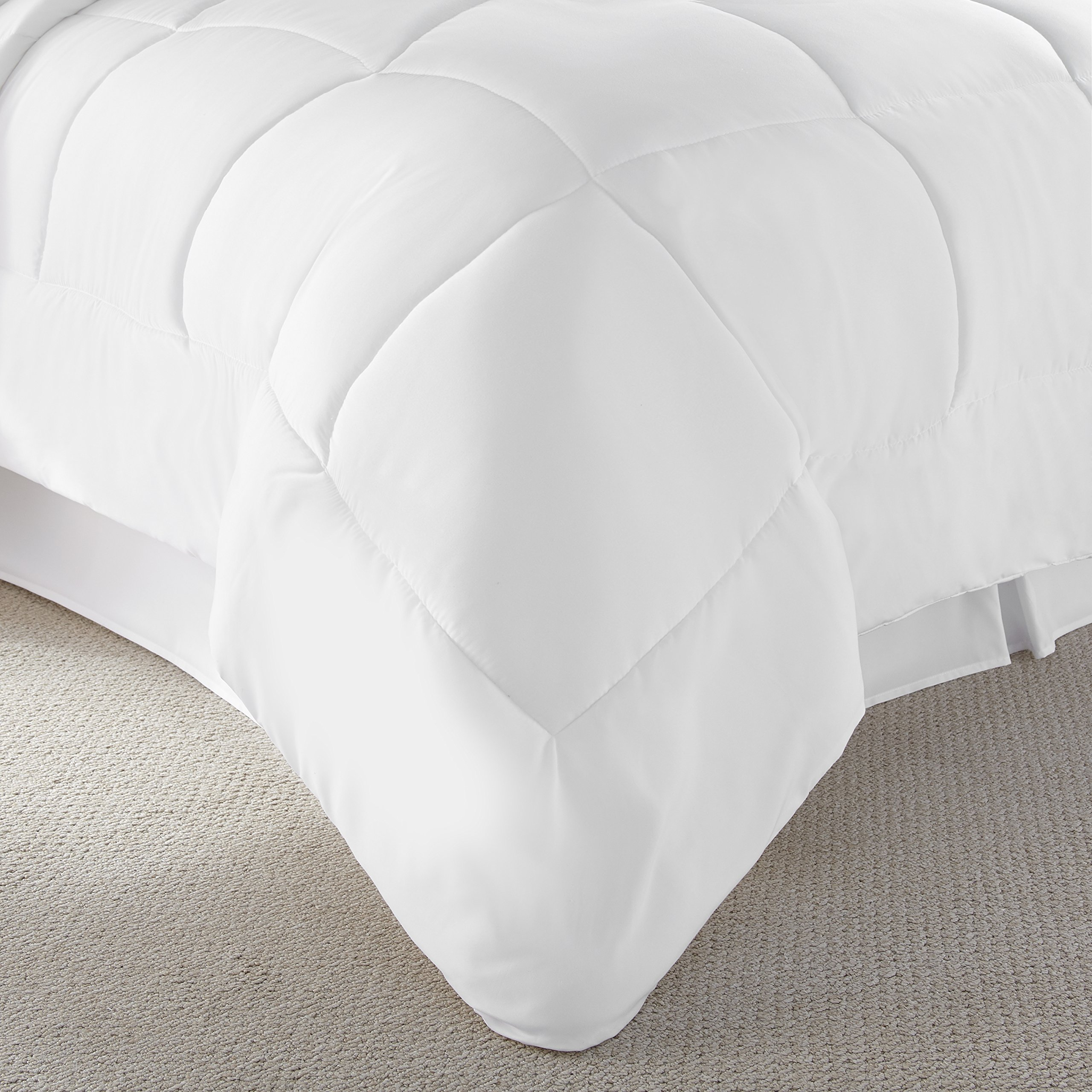 Danjor Linens Luxury Soft All Season White Down Alternative Comforter- Hypoallergenic, Box Stitched- Plush Microfiber fill, Machine Washable, Duvet Insert Queen Size by Danjor Linens (Image #2)