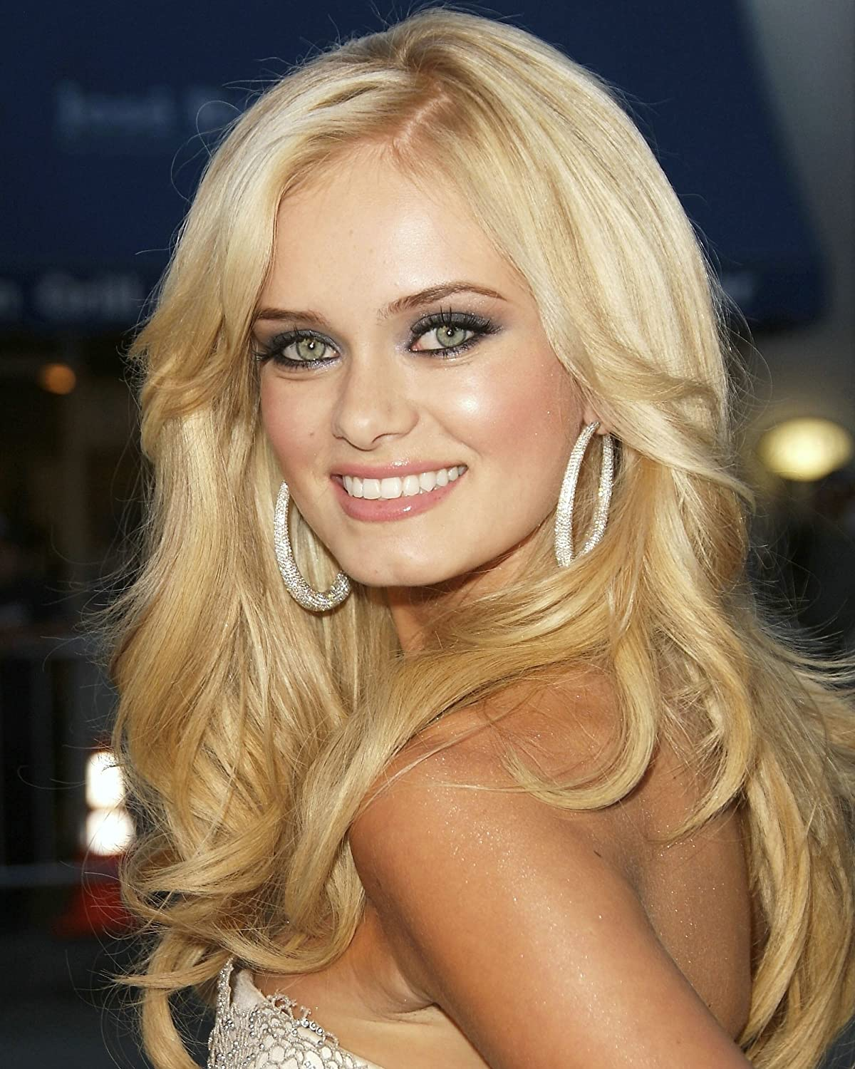 Watch Sara Paxton video