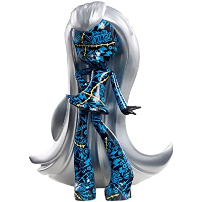Monster High Vinyl Chase Frankie Figure: Toys & Games