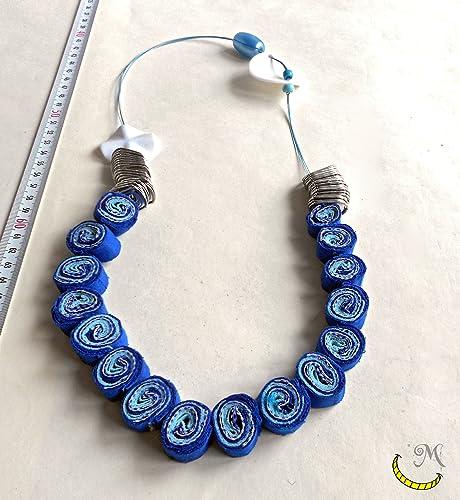 nuovo di zecca e9579 d9836 Collana di stoffa con perline, linguette di lattine e fili ...