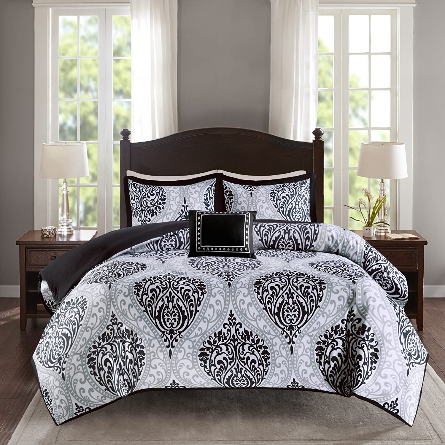 Black and White - Printed Damask Pattern comforter