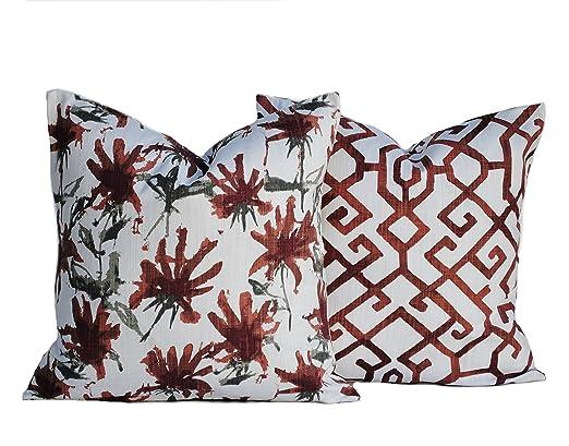 Dos rojo oscuro fundas de almohada, cojín, Manta Decorativa ...