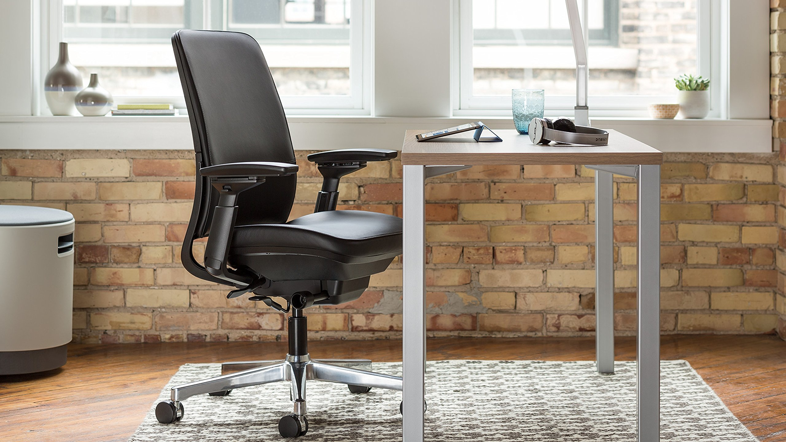 Steelcase Amia Task Chair: Platinum Frame/Polished Aluminum Base - 4 Way Adjustable Arms - Standard Carpet Casters