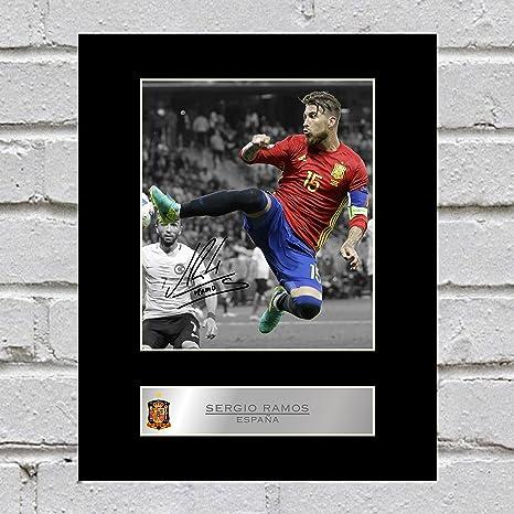 Sergio Ramos - Fotografía firmada de España: Amazon.es: Hogar