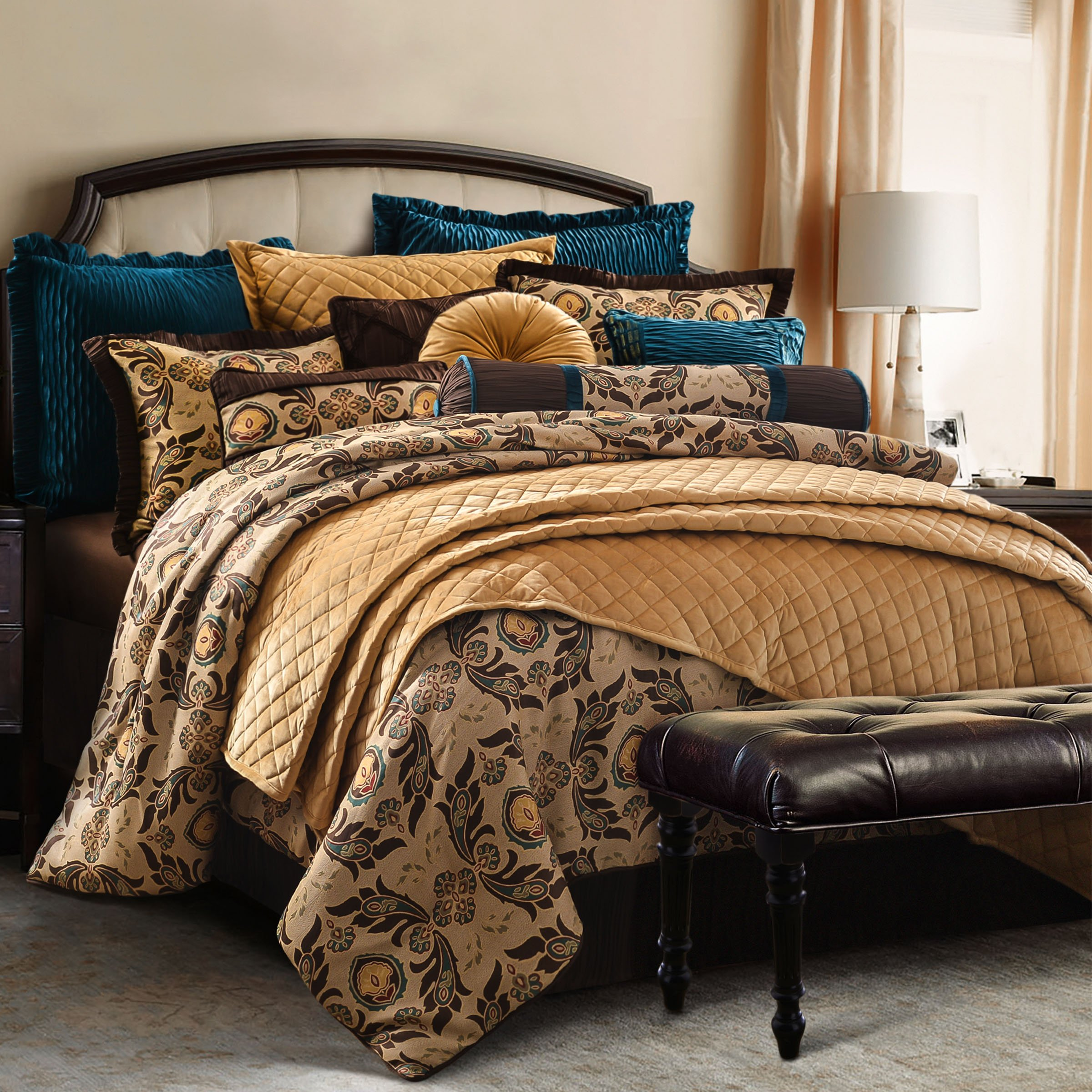 HiEnd Accents Loretta Bedding Set Super King